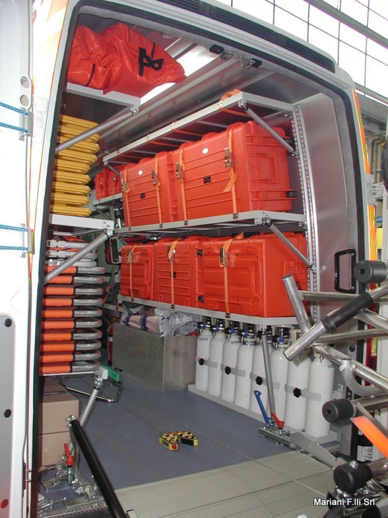 4 X 4 >> Iveco Daily Maxi Emergenza con torre faro 2